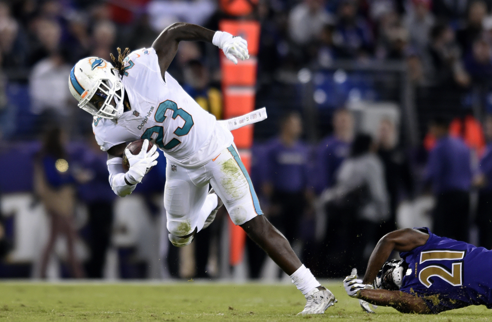 Jay Ajayi, who made it to the Pro Bowl last season as a running back for the Miami Dolphins, recently fell out of favor with the team and Tuesday was traded to the Philadelphia Eagles for a fourth-round draft choice.
