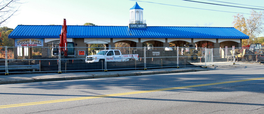 South portland business owner plans to open green car and dog wash bay harbor car wash at 696 broadway in south portland is being renovated and solutioingenieria Gallery
