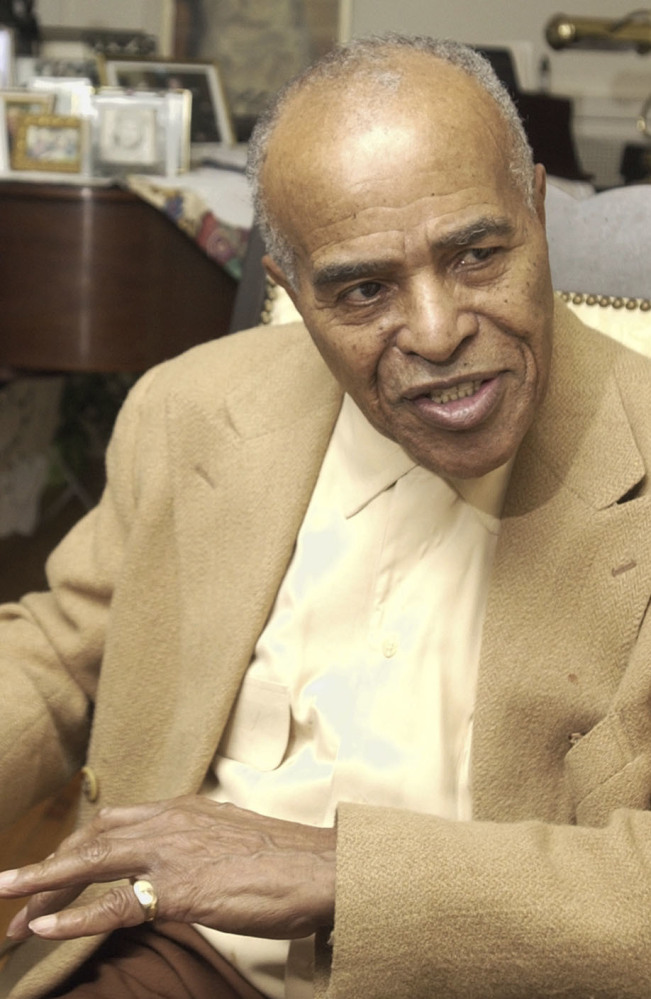 Jon Hendricks, an innovative jazz singer and lyricist, influenced artists such as Joni Mitchell and Manhattan Transfer.