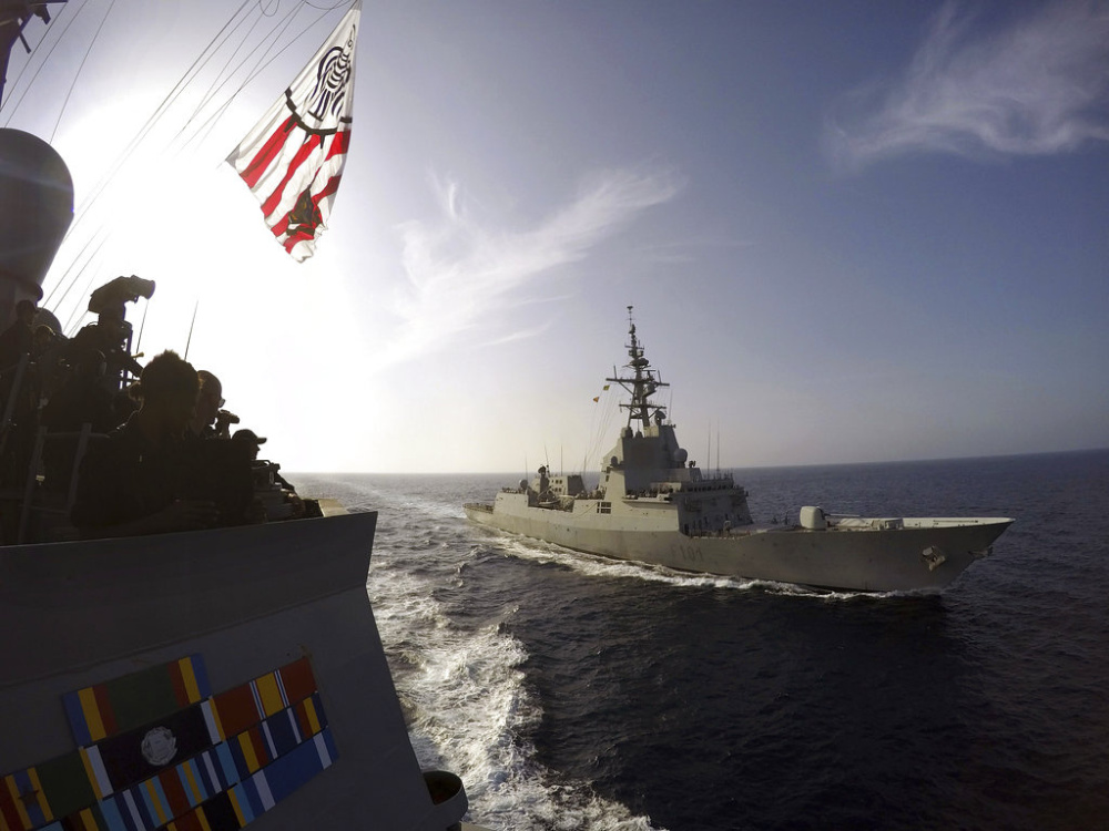 The Spanish navy frigate Alvaro de Bazan, right, cruises alongside the destroyer USS Carney, left, in the Mediterranean Sea. Bath Iron Works said this month it is partnering with the Spanish builder of the Alvaro de Bazan on a design for use in building 20 Navy frigates.