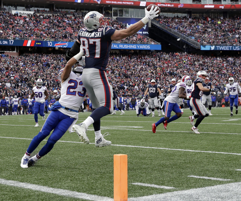 Rob Gronkowski made a one-handed catch of a Tom Brady pass Sunday and replay officials barely noticed. But had he been playing for Buffalo …