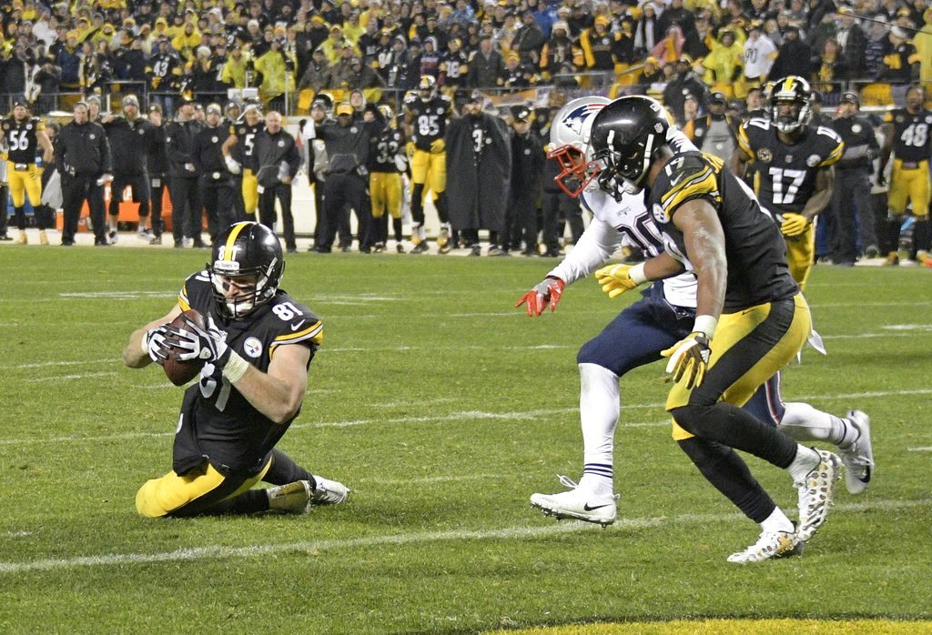 "Steelers tight end Jesse James has a knee down before crossing the goal line with a pass from QB Ben Roethlisberger in what appeared to be a touchdown with 28 seconds to go. The play was overturned on review, however, with officials saying the ball did not  ""survive the ground"" and therefore wasn't a catch."