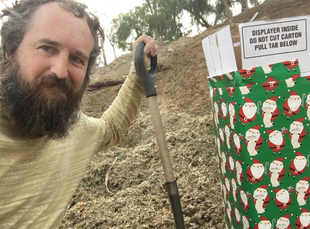 Robbie Strong posted this selfie on Facebook before delivering a boxful of horse manure to the U.S. secretary of the treasury's neighborhood in California.