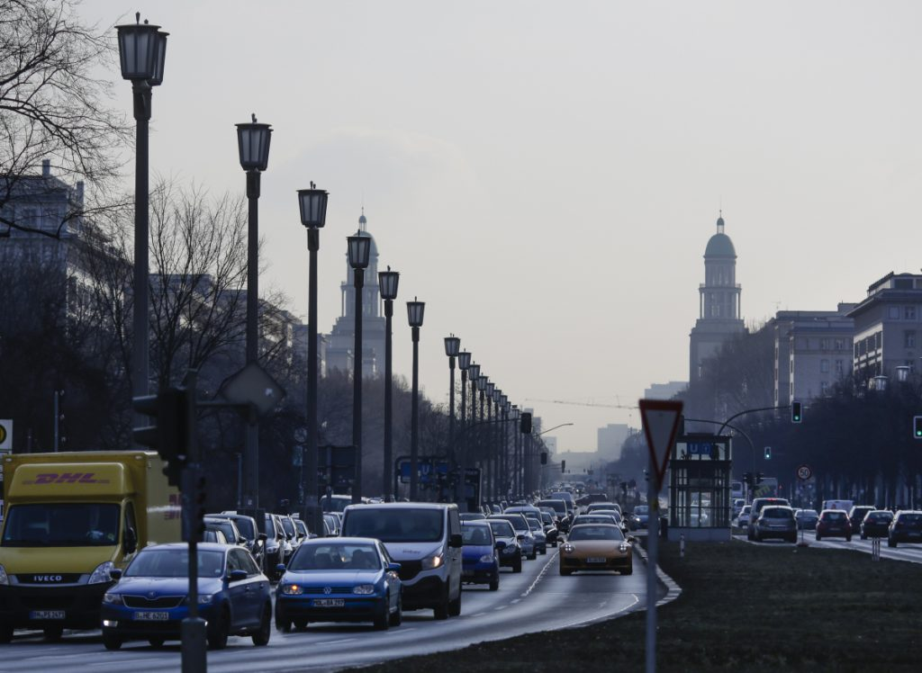 Cars on a main road in Berlin, Germany, Wednesday. A German court ruled Tuesday that cities can impose driving bans on diesel cars to combat air pollution. The government plans to go a step further.