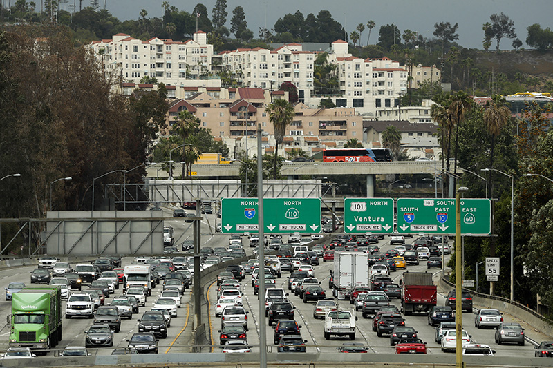 Traffic clogs the 110 Freeway during afternoon rush hour in downtown Los Angeles in 2015.