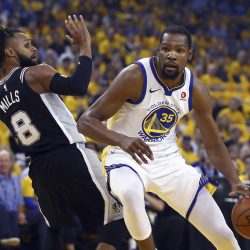 1364589 Spurs Warriors Basketball7 250x250