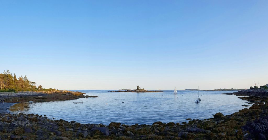 The beach at Ocean Point is at the southern tip of the Boothbay Peninsula, in East Boothbay, where you will be rewarded with splendid views.