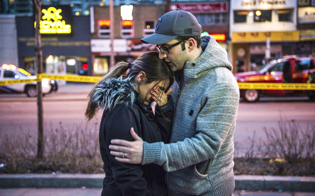 Toronto responds to van attack with memorial, victim support