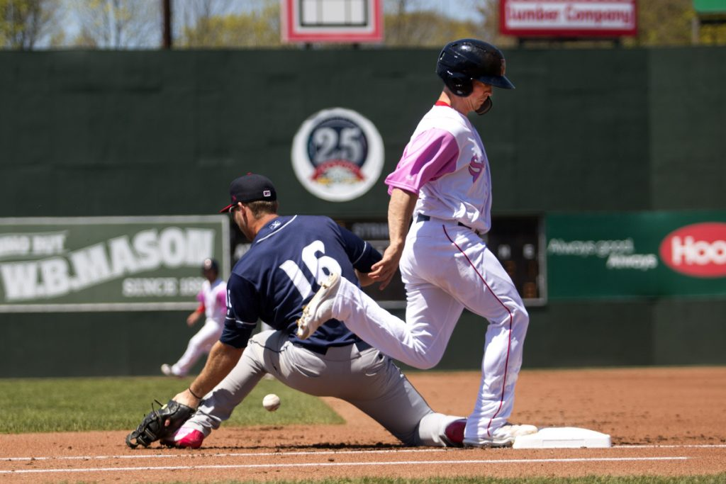 Portland's Tony Renda makes it to first base as Binghamton's Peter Alonso fails to field a throw during the Sea Dogs' 10-4 loss Sunday at Hadlock Field in Portland.