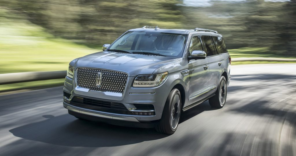 The 2018 Lincoln Navigator is indulgently opulent, with cossetting seats, a sublimely comfortable ride and indulgent array of convenience features.