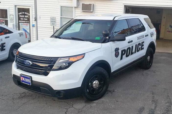 Dexter police search for suspect who stole police cruiser