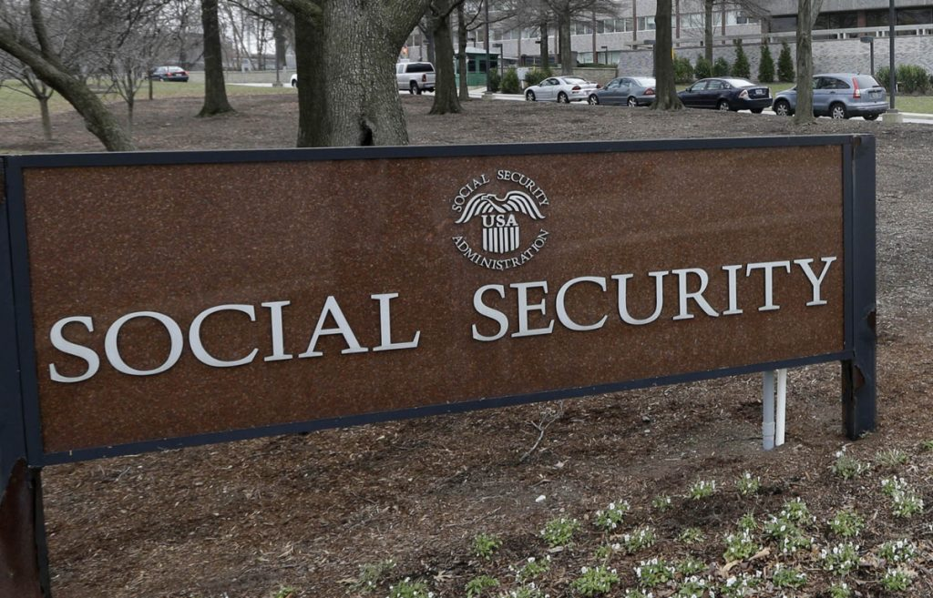 Social Security to tap reserves to cover 2018 benefits