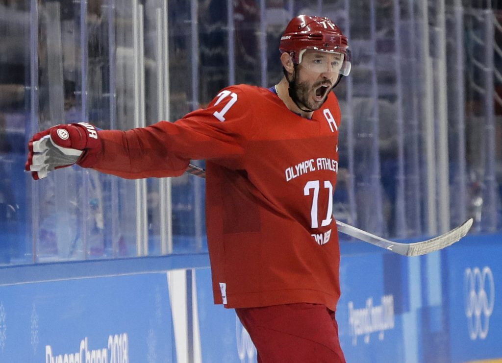 Ilya Kovalchuk will return to the NHL after spending the last five years playing in Russia. He has agreeded to sign a three-year deal with the Los Angeles Kings.