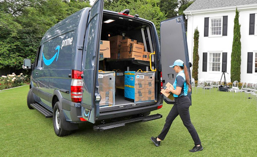 Contractors participating in the new Amazon program will be able to lease blue vans with the Amazon logo stamped on them, buy Amazon uniforms for drivers and get support from Amazon to grow their business.