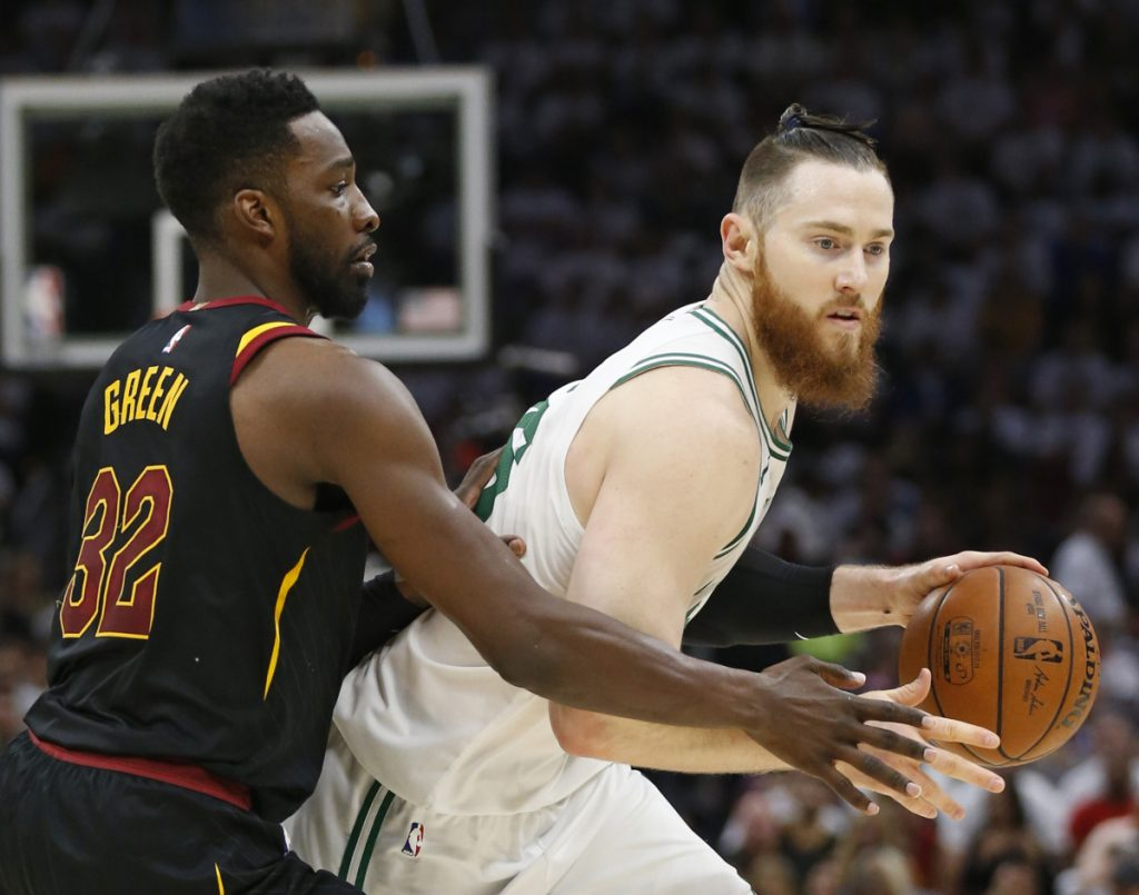 Aron Baynes, right, has reportedly agreeded to a two-year extension to remain with the Celtics.