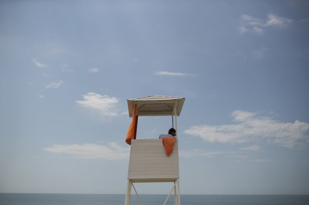 We should be aware that drowning can be a deceptively quiet ordeal, without splashes and calls for help, a reader says.