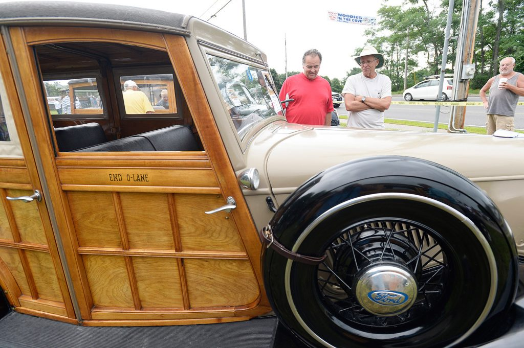 Photos Woodie Owners Let Their Vintage Cars Shine In Wells - Portland car show 2018