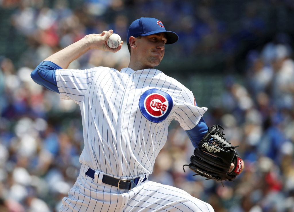 Chicago starting pitcher Kyle Hendricks delivers a pitch against the San Diego Padres on Saturday.