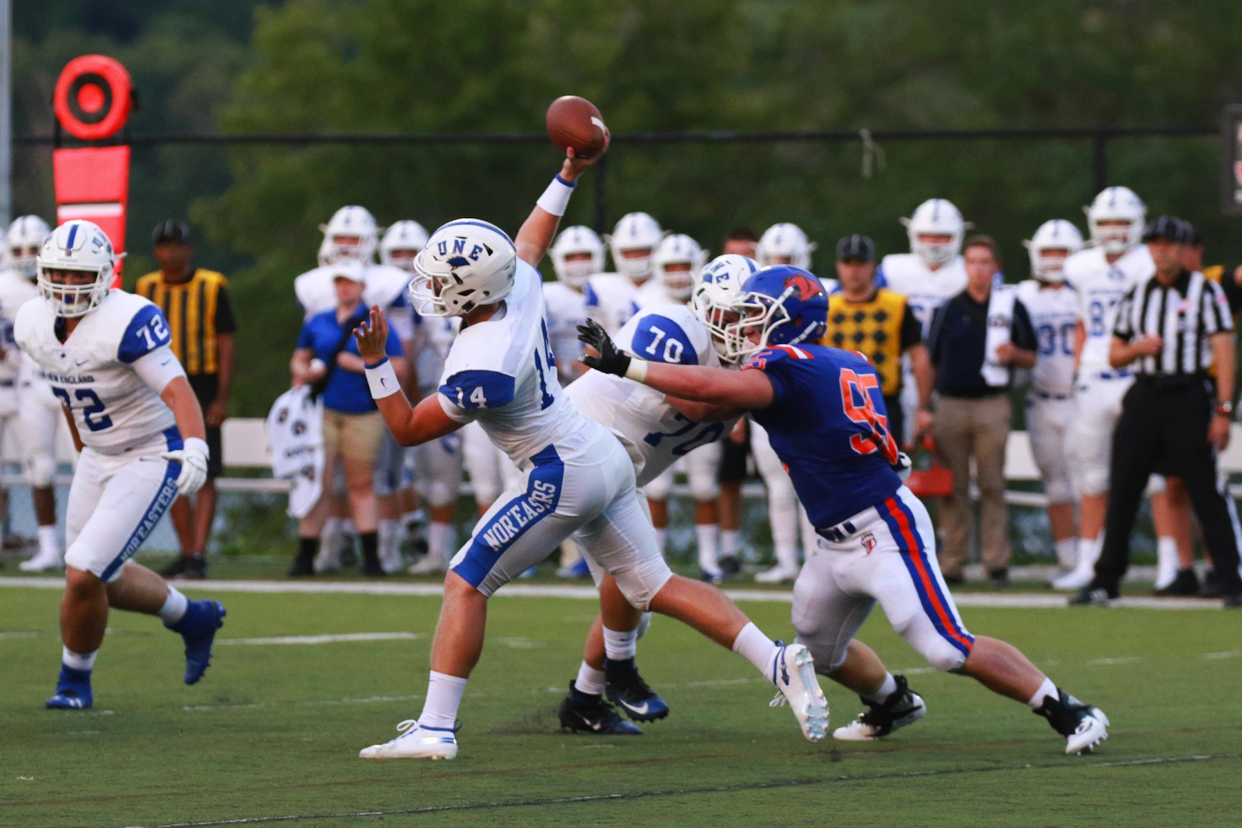 Une Falls Short In First Ever D3 Football Game Journal Tribune