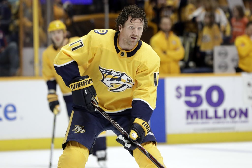 Scott Hartnell, who played for Nashville last season, announced his retirement after 17 NHL seasons on Monday.