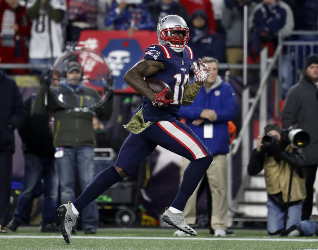 Josh Gordon continues to assimilate himself into the New England offense, and his touchdown against Green Bay on Sunday was another step in that progression.