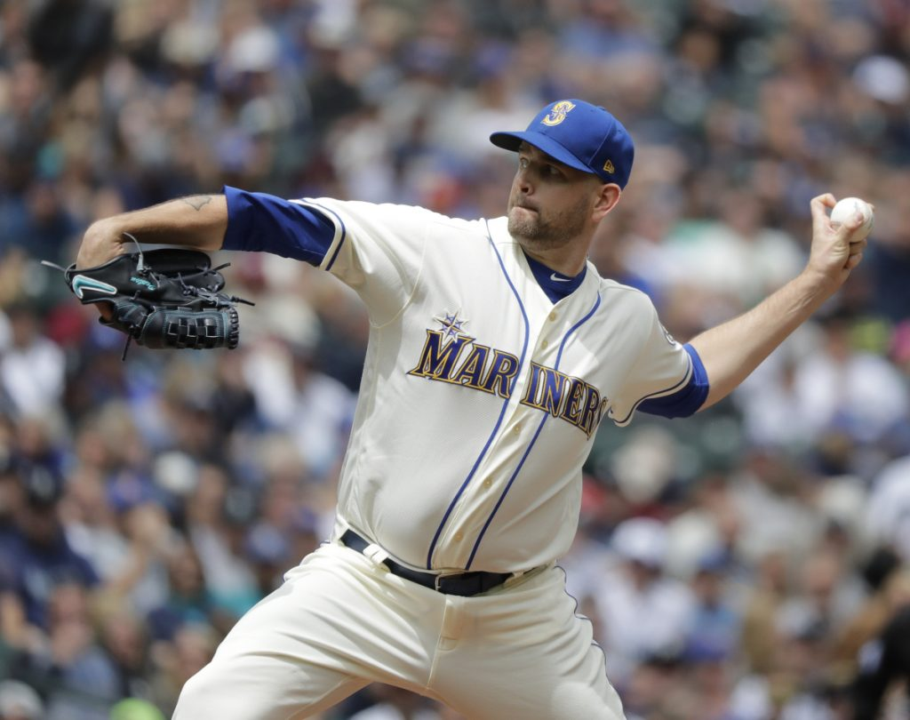 James Paxton, who went 11-6 with a 3.76 ERA last season for the Seattle Mariners, was traded Monday to the New York Yankees and will join their rotation.