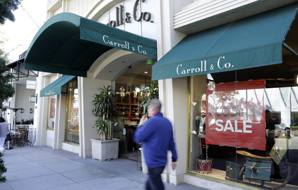 Carroll & Co., a 70-year-old store in Beverly Hills that made clothes worn by the likes of Clark Gable, Cary Grant and Frank Sinatra, will close in January.