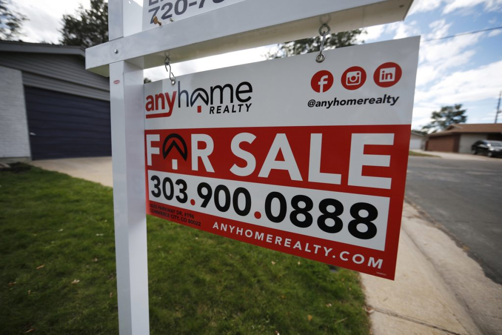 """All four U.S. regions reported annual drops in pending home sales, and the West had the most precipitous fall: 12.2 percent. The Northeast had a decrease of just 3.5 percent. An analyst described it as a """"short-term pullback in the housing sector."""""""