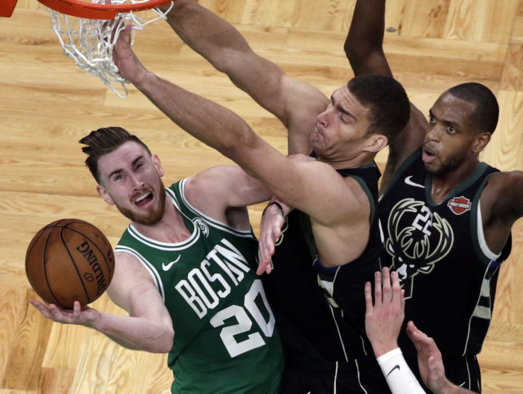 Gordon Hayward is striving to be more consistent in his approach as he returns after a severe injury in last season's opening game. Hayward had a breakthrough moment Wednesday, scoring 35 points against the Timberwolves.