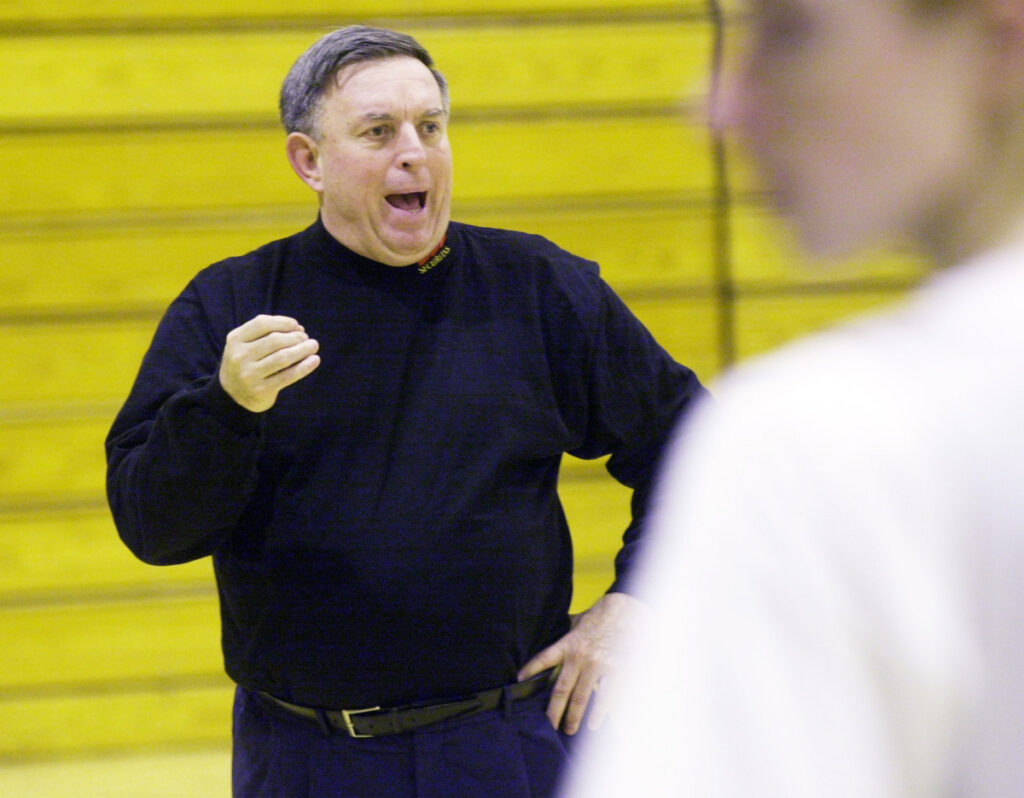 Rick Simonds, who never had a losing season in 23 years at St. Joseph's, will be inducted to the Maine Basketball Hall of Fame in August.