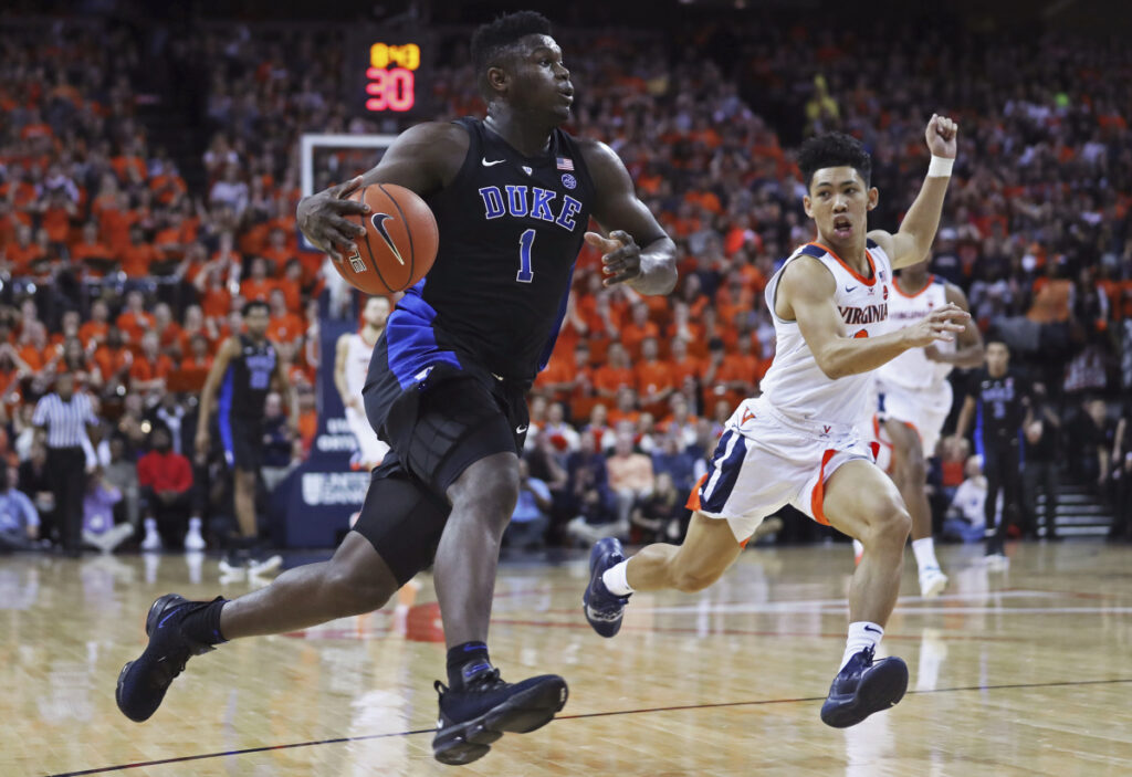 Zion Williamson of Duke goes strong to the basket during the Blue Devils' 81-71 win over Virginia on Saturday in Charlottesville, Va.