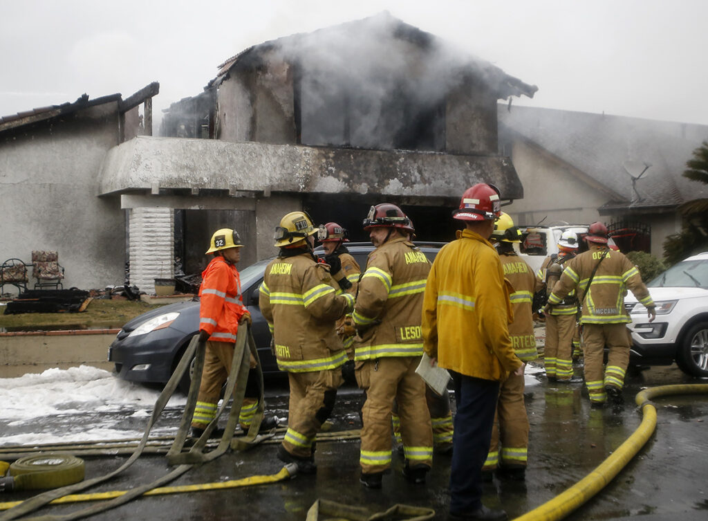 5 killed, 2 injured when plane crashes into California home