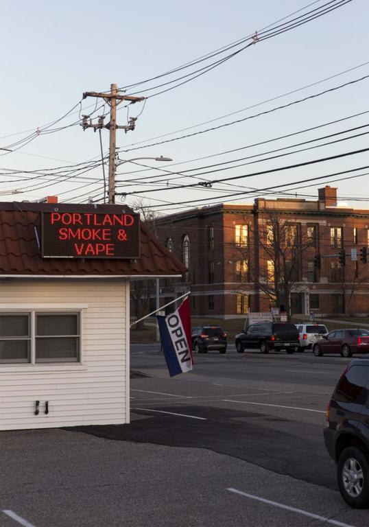 South Portland council weighs limits on vape, tobacco sales
