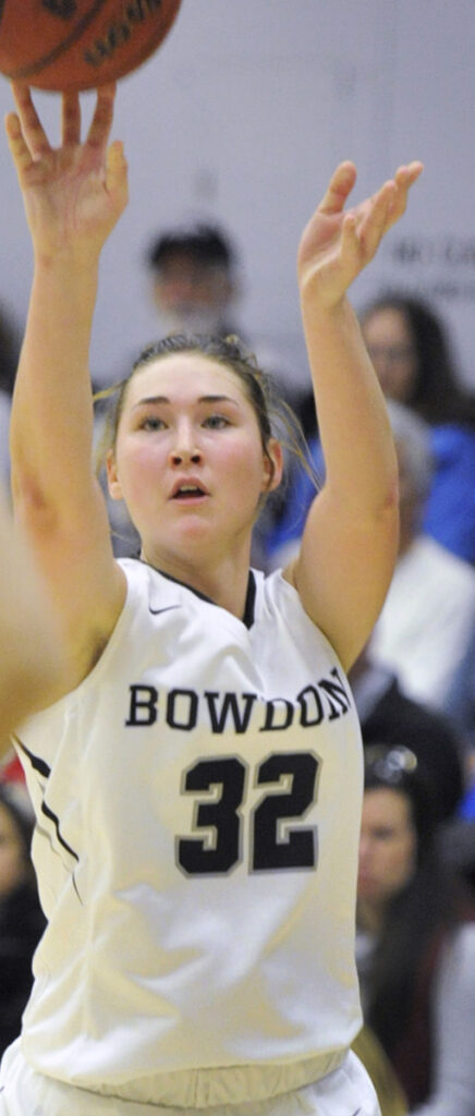 BRUNSWICK, ME -DECEMBER 2: Bowdoin College vs. Colby College women basketball game. Bowdoin #32, Hannah Graham, from Presque Isle, hits one of her three pointers in the first half.  (Photo by John Ewing/Staff Photographer)