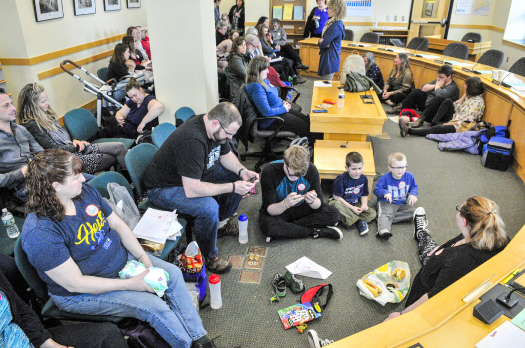 Hundreds show up for hearing on ME bill to limit vaxx exemptions