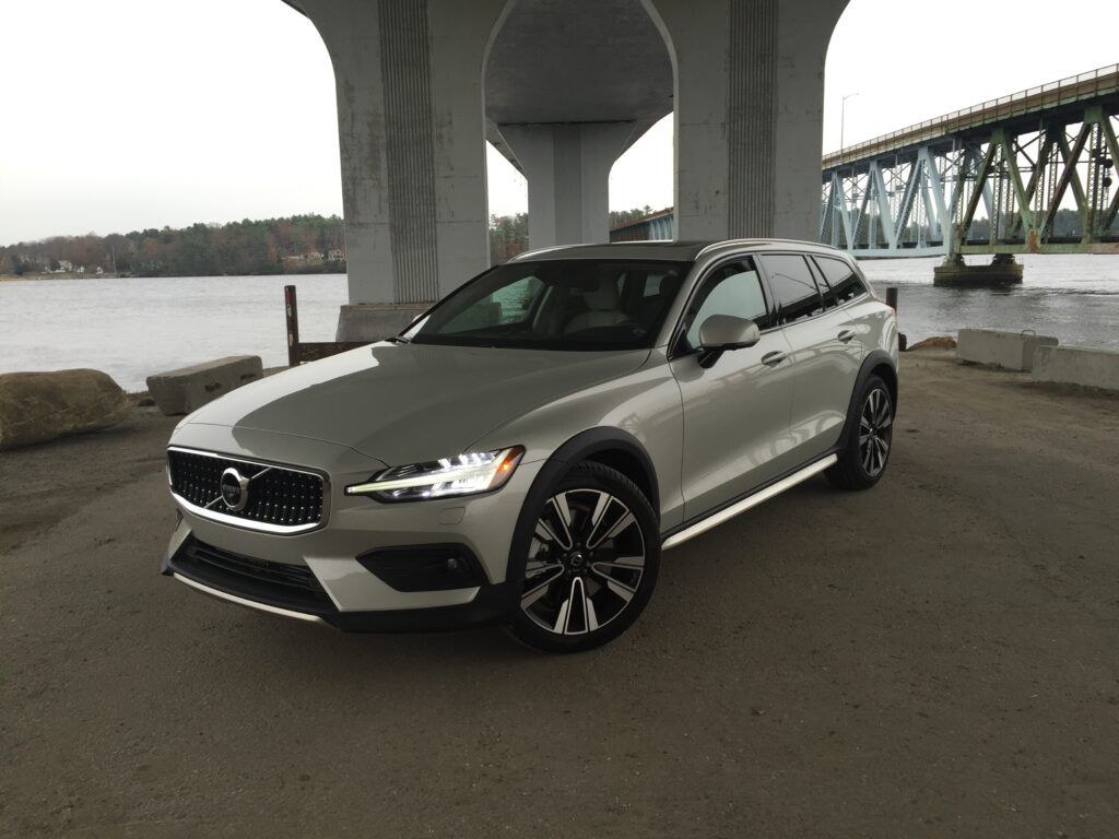Long-term station wagon owners will love the V60 and the V60XC as they drive more like a conventional car. Sales numbers tell us a different tale, as the XC60 Crossover sells much better than the whole S60-sedan and V60-wagon lineup.