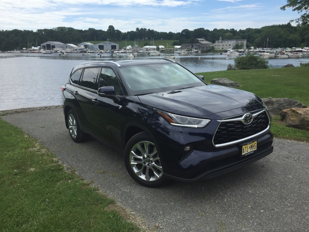 While shorter than several rival 3-row crossovers, the new Highlander gains over two inches of total length which expands both the tight third row seating layout, and the rear cargo area.